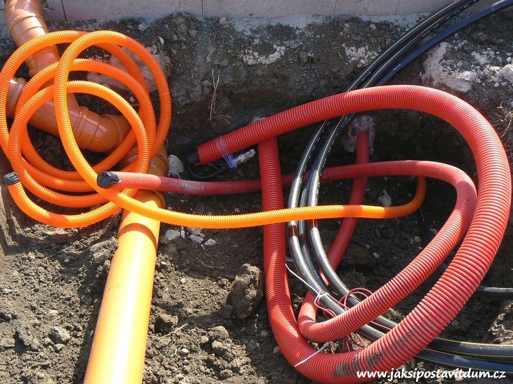 2. ETAPA | ZÁKLADY DOMU | Zhotovení elektroinstalačního systému pro zvonek, elektrické otevírání branky, Domovní audio/videotelefon a elektrické otevírání brány
