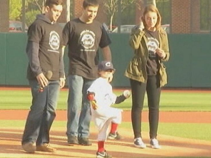 Boy with 3-D printed Iron Man prosthetic hand throws 1st pitch at Columbus Clippers game: http://abcn.ws/1GiR2oO