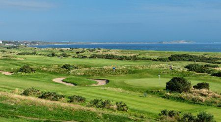 The Lundin LInks golf club is well known throughout the golfing world as a course of rare quality. Founded in 1868, on a Tom Morris course it was extensively redesigned by five times Open Champion James Braid in 1909.