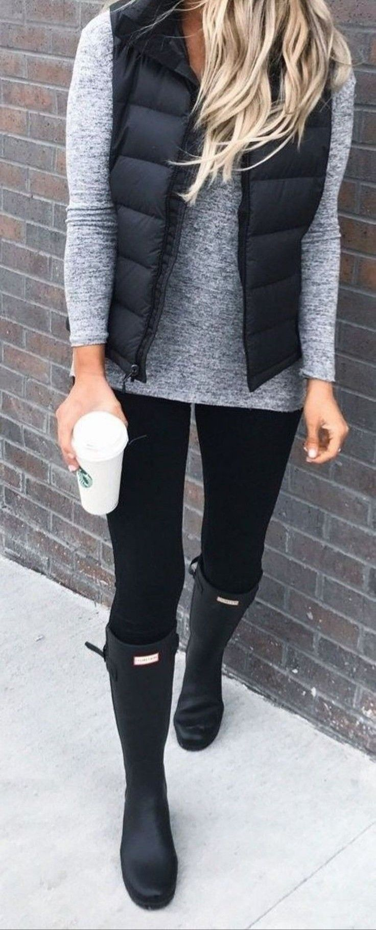Cute neutral outfit with black Hunter boots.