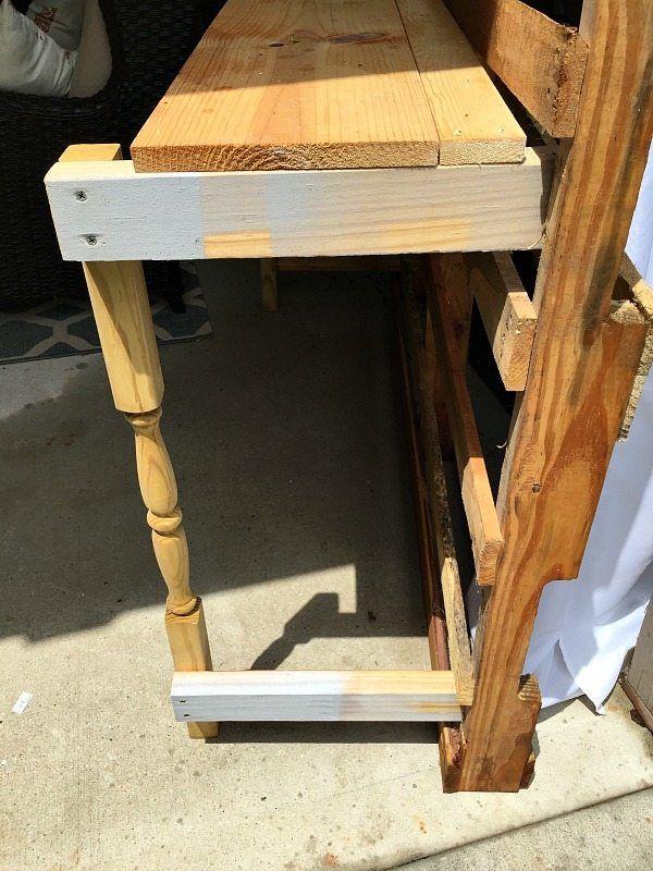 Make it - Gemaakt van een pallet - outdoor oppotten tafel dient als buffet of een drankje servicegebied