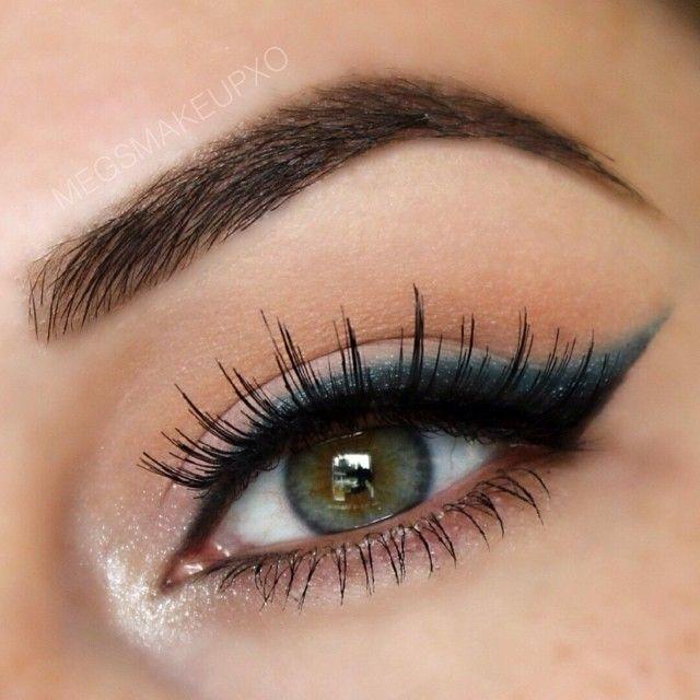 Mooi opgemaakt oog met Ardell Lashes # 106.   http://www.wimperwensen.com/ardell-fashion-lashes-106.html