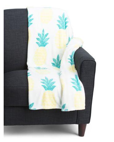 Wavy Pineapple Plush Throw