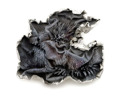 Magnetised iron brooch with sculptural folds & textures; contemporary jewellery design // Ying Hsun Hsu