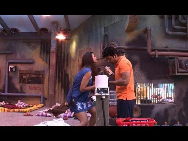 Kushal Tandon and Gauhar Khan are enjoying their stay in Bigg Boss house a way too much.  for more news on latest bollywood moviesBollywood News In English,Hollywood movies,Bollywood Masala In English,Bollywood Pictures,latest bollywood movies ,bollywood movies Review.   read more at :http://daily.bhaskar.com/entertainment/