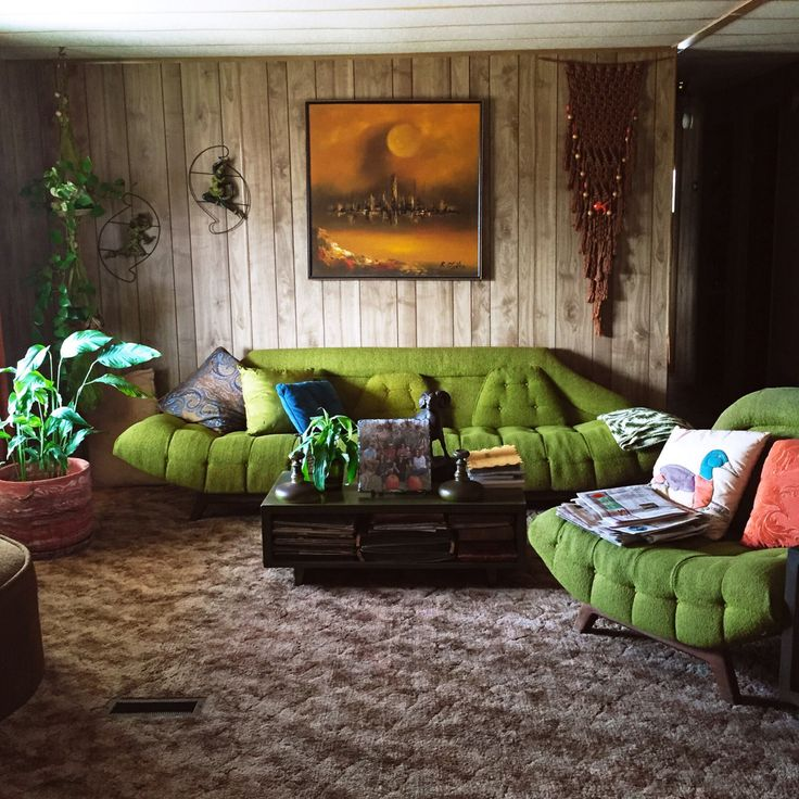 jasminescrafty: My grandmas living room is a blast from the past and I'm so in love