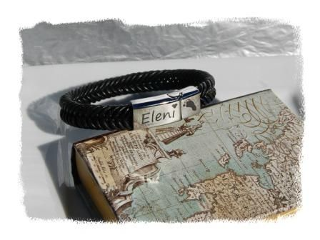 This leather braid bracelet is a fashionable way to capture your loved one's print and is perfect for men or women.