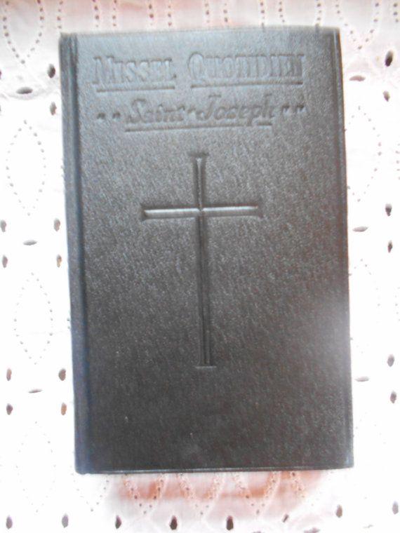 French/Latin Traditional Catholic Missal. St. by MarginaliaBooks