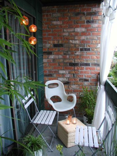 17 best images about balcony and roof gardens on pinterest for Decorating a balcony on a budget
