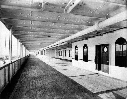 Tour of the real pictures from inside the Titantic before it sailed
