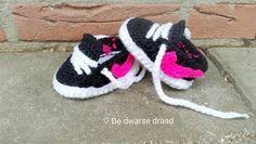 Stoere Nike's - De dwarse draad, #haken, gratis patroon, Nederlands, baby, slofjes, haakpatroon