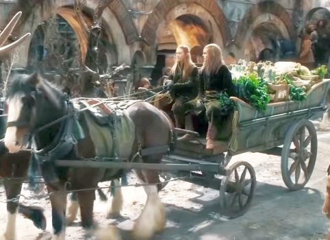 Emergency aid arrives for the refugees gathered in Dale. This gives us our first hint that Thranduil is not entirely self-centered.