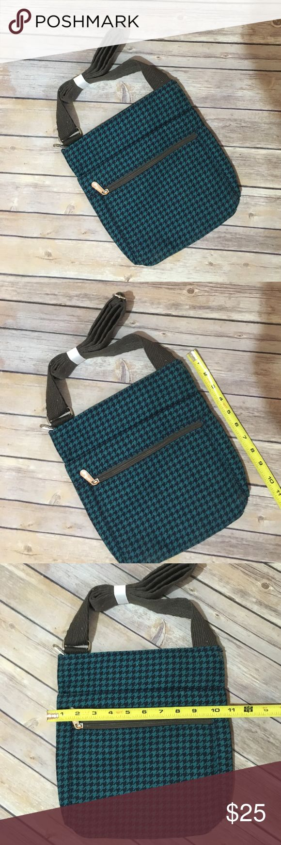New Thirty-One Bags cross body New and unused Crossbody. Thirty-One Bags Bags Crossbody Bags