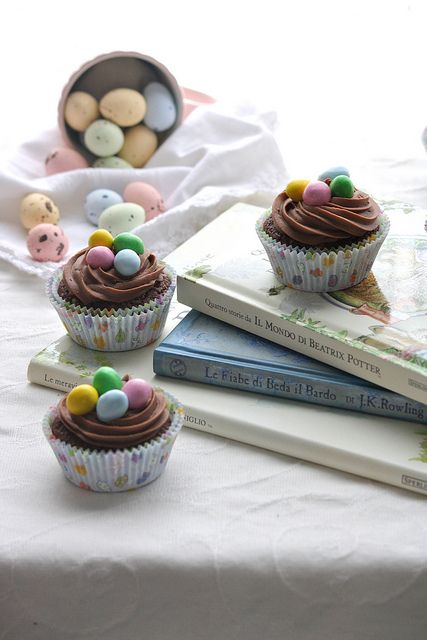 chocolate easter cupcakes with Cadbury eggs, so easy and yummy!