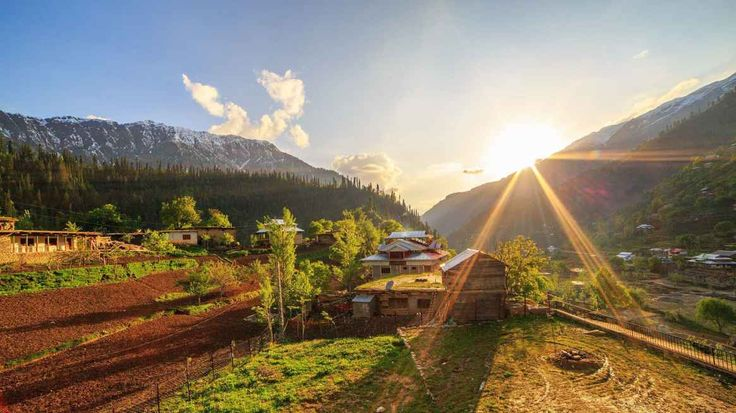 Top 10 Must Visit Places in Pakistan