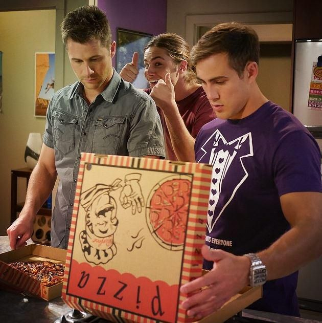 Pizzas are what Fridays are made for. That, and catching up with #Neighbours http://www.channel5.com/shows/neighbours/episodes …