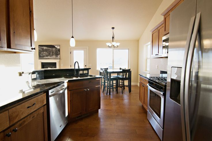 Granite, Hardwood & Stainless Steel appliances? Cook in style at 52 Wolf Creek Ln in Gillette, WY. Call Team Properties Group for your showing 307.685.8177