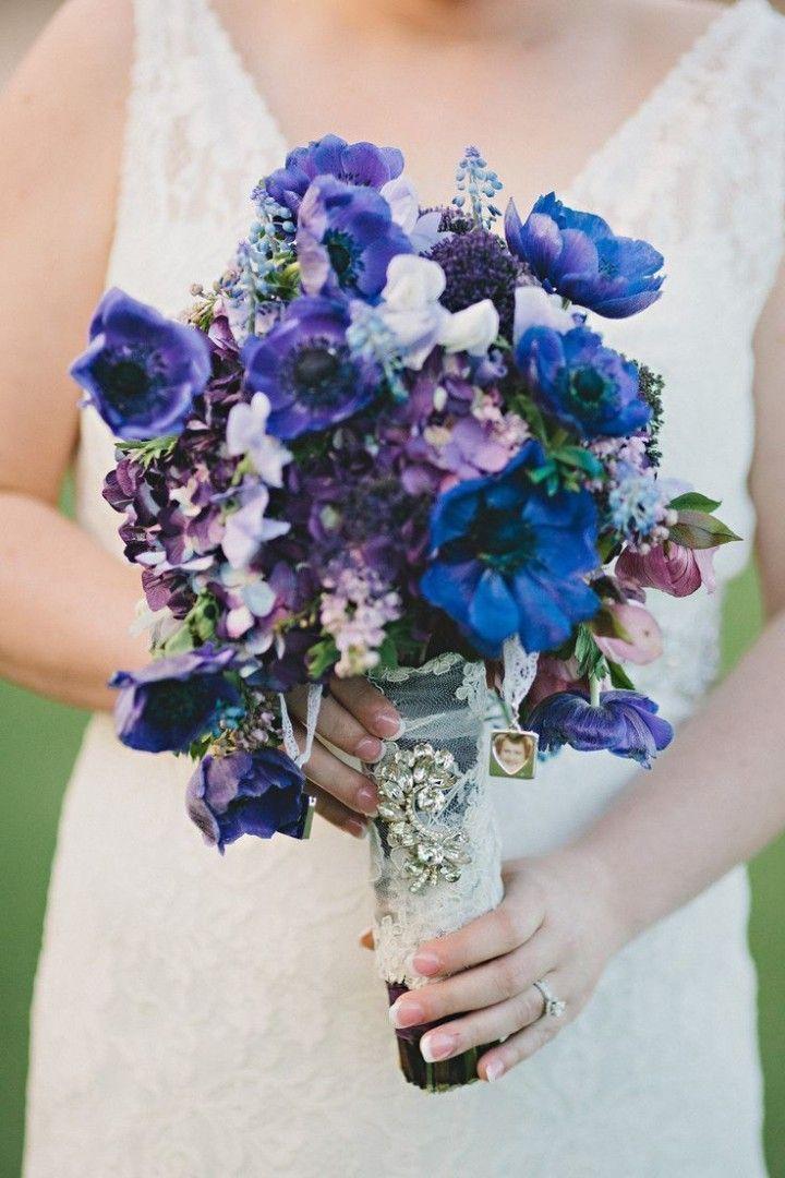 viola e blu bouquet di nozze