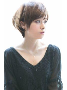 【面長さんに似合う髪型】ショートのヘアスタイルまとめ - curet [キュレット] まとめ