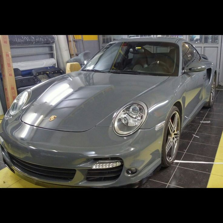Porsche 977 parlak gri kaplama. (0212) 286 48 43 www.autovizyon.com