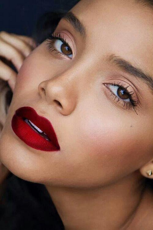 deep red lip