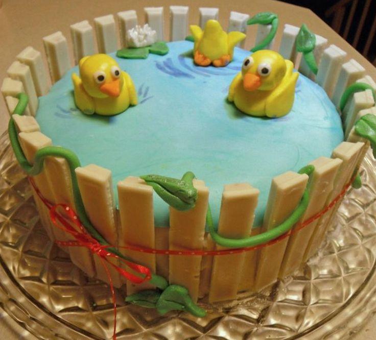 baby shower kit kat cake
