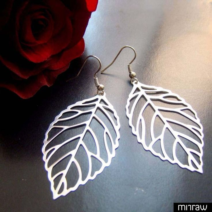 Amazing leaf earrings