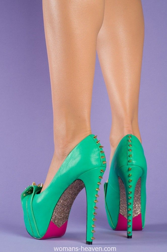 Green heels image,green heels, moda,style, fashion, high heels, image, photo, pic, pumps, shoes, stiletto, women shoes http://www.womans-heaven.com/green-heels-image-2/