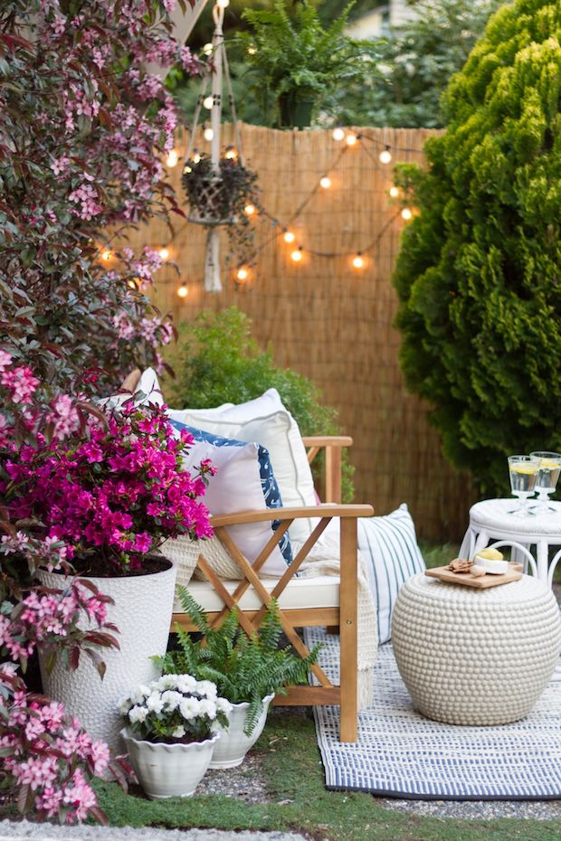 Outdoor Patio: How to complete your patio in 3 easy phases. Modern Farmhouse,eclectic, bohochic style garden surroundings