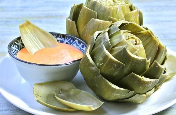 Steamed Artichokes with Roasted Red Pepper Aioli