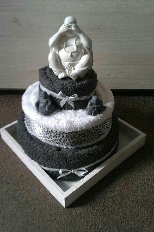 Buddha handdoek taart