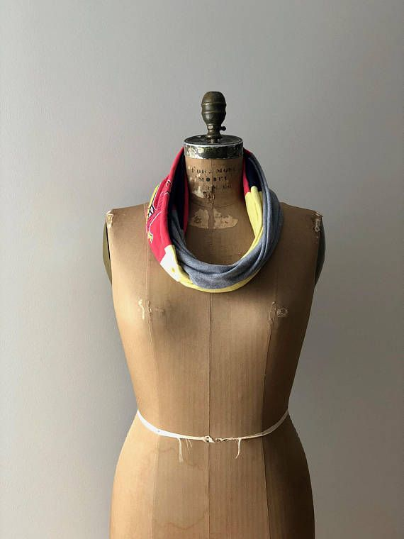 Saint Louis Cardinals T Shirt Scarf Women Scarves Accessory #stlouiscardinals #mlbbaseball #cardinals #recycled #tshirtscarf #teescarf #upcycledclothing #stlouis