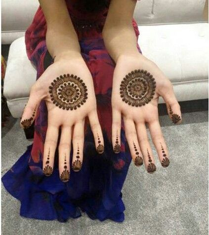 Noozhathenna on Instagram. Simple mehndi.
