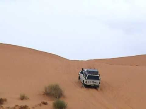Hilux 4WD fails first attempt at Big Red (Birdsville) - YouTube
