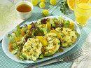 Kartoffel-Taler auf Salat