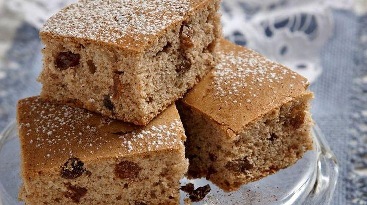 Πανεύκολο+κέικ+με+σταφίδες+νηστίσιμο