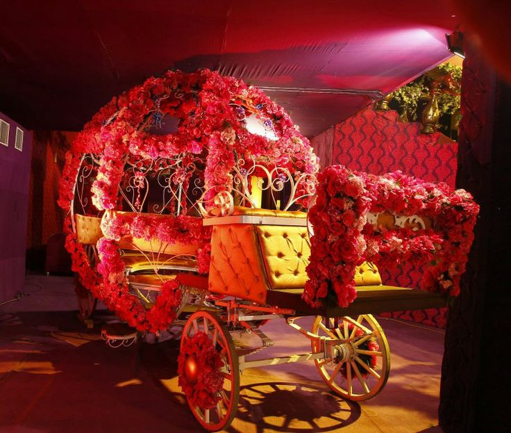 A Shaadi Buggy For The Brides Entrance