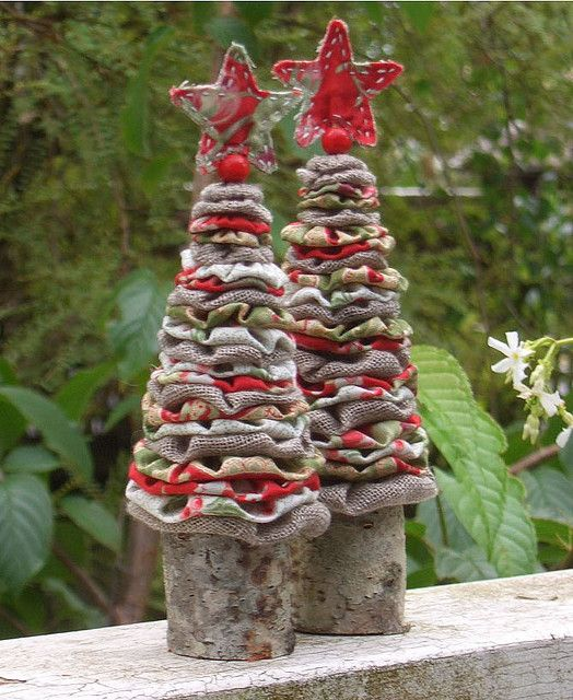 yo-to rustic primitive Christmas trees!