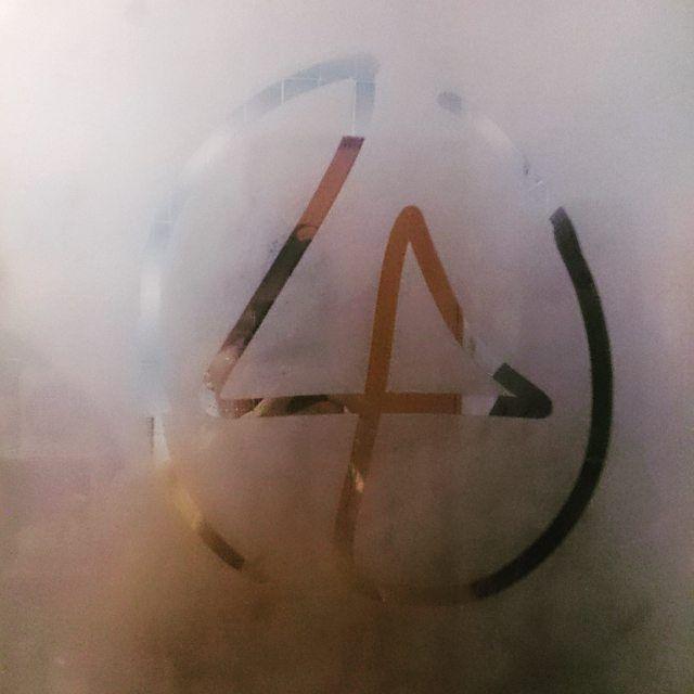 On a fogged up mirror. lp #linkinpark #drawing #espejo #dibujo #vapor #LP #baño #aftershower #logo #logotipo #trazo