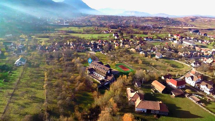 Avem privilegiul de a ne situa în frumoasa Țară a Bârsei, denumită în vechime și Mica Transilvanie.