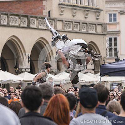 Each year in the Krakow International Festival of street theatre.Theater  Cie Tac O Tac from France  name  title of the presentation is Take-off ( in Polish Odlot) Thise month the name of festival are ULICA 29 ( street 29)  link : www.maureexoerience.com  http://en.karnet.krakow.pl/aktualnosci/festiwale/4/29th-ulica--the-international-festival-of-street-theatres-_39024.html