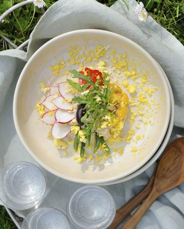 Salade niçoise par Virginie Basselot pour 4 personnes - Recettes Elle à Table