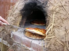 How To Quickly Build A Survival Oven Using Dirt, Water And Sticks ..j