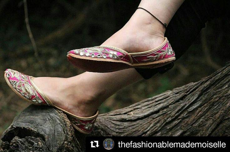 Things that can be worn in versatile ways is the dream of every girl, buy amazing jutti's from Punjabijuttistore.com and pair them with anything and everything #Punjabijuttistore #punjabijutti #juttis #jalsa #khussa #bridemade #groommade #weddingseason #menpunjabijutti #womenpunjabijutti #pearls #casual #bridetobe #indianwear #indianbride #worldwide ✈️ #makeinindia #punjabiwedding #swagycouples #punjabijodi #blog #bloggers #instapic #instapost #india #shopnow #bebeautiful #goethnic