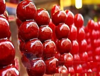 ISYS 100 DESSERT BLOG - YUM!: Traditional Chinese Dessert -- Bing Tang Hulu (Candied Haw in a Stick)