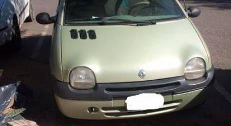 Renault Twingo Authentique 2 Motor 1.2 Modelo 2000 con aire acondicionado, levantacristales eléctricos, cierre centralizado con comando a distancia, alarma.  Cambio de filtros y aceite hace 1 mes. Tiene algunos detalles mínimos. Hermoso! Renault Twingo Authentique 2 Motor 1.2 Modelo 2000 con aire acondicionado, levantacristales eléctricos, cierre centralizado con comando a distancia, alarma.  Cambio de filtros y aceite hace 1 mes. Hermoso!