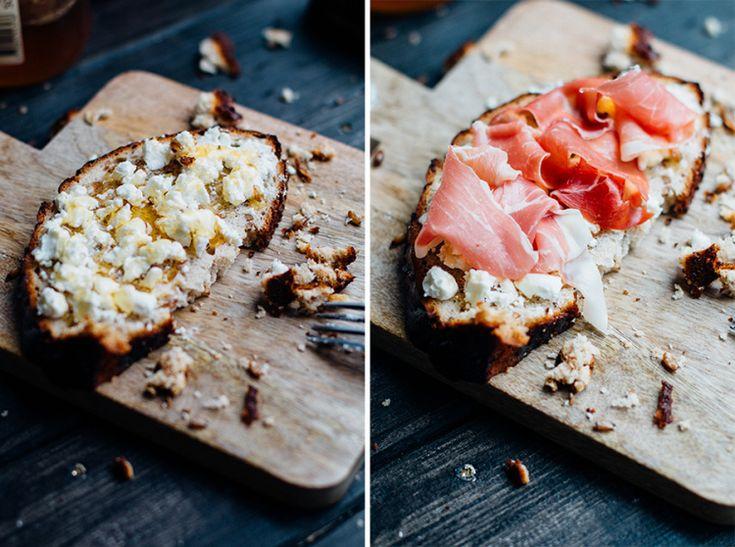 Бутерброды с козьим сыром, медом и прошуто / с курицей гриль и авокадо.