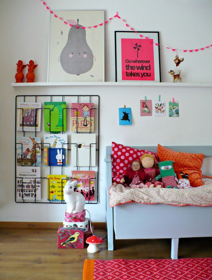 Live this cozy little reading nook, esp the little book rack that's so easy