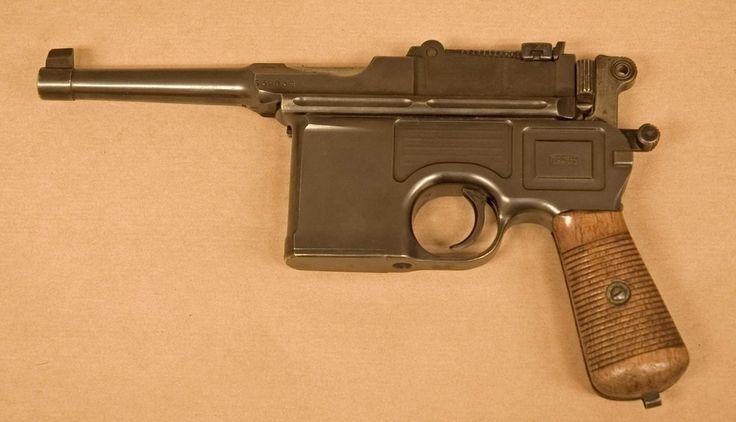 https://upload.wikimedia.org/wikipedia/commons/5/5f/Mauser_C96_002.jpg