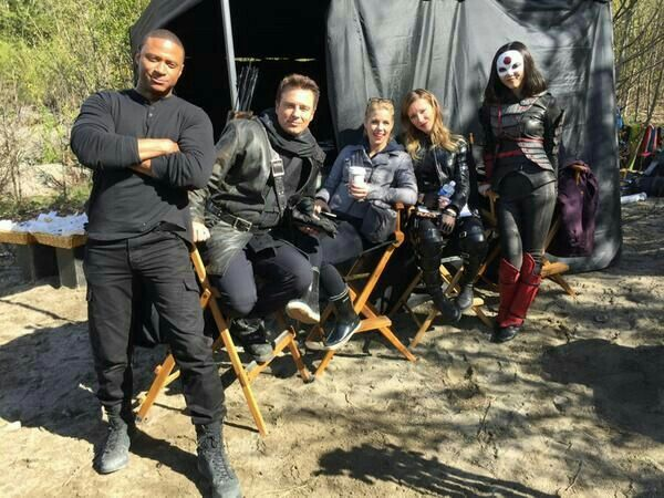 Some of the cast behind the scenes of arrow season 3